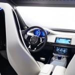 Jaguar'ın İlk SUV Modeli F-Pace 12